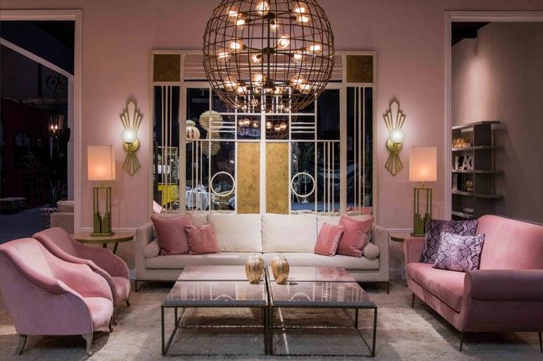 3 roze zitbanken, in roze woonkamer door Costa Blanca luxe interieurontwerper