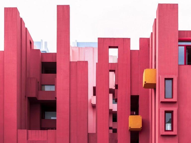 Kleurrijk en gewaagd architectonisch ontwerp in Calpe, Costa Blanca