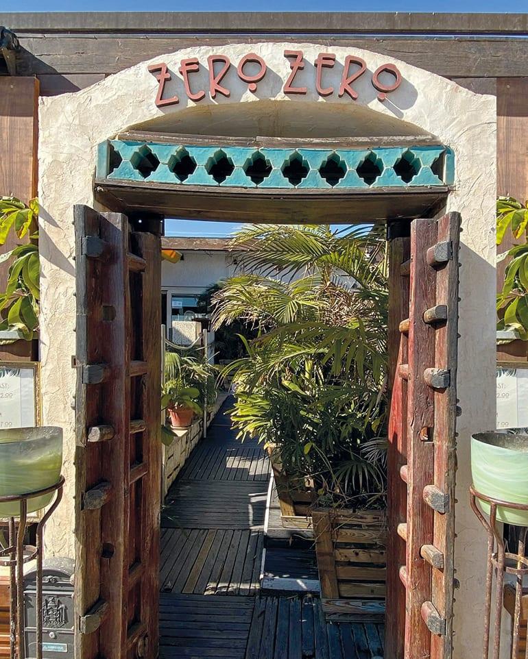 Restaurant Zero Zero inganghuisstijl voorbeeld aan de Costa Blanca